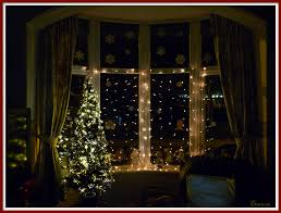 Lighted Christmas Window Decorations by Christmas Decorations For Windows With Lights