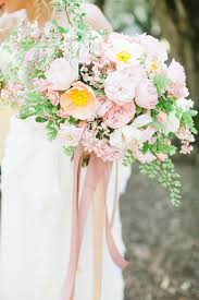 wedding flowers types 6 types of wedding bouquets every should modwedding