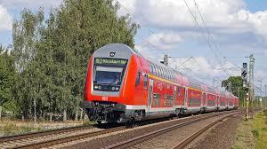 Bad Cannstatt Bahnhof Deutsche Bahn Testet Leuchtende Bahnsteigkante Heise Online