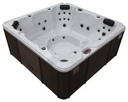 hamilton play 22 jet 5 person tub with led lighting and