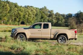truck toyota 2016 toyota tacoma 2016 motor trend truck of the year finalist