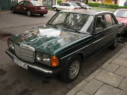 file green mercedes benz w123 in kraków 2 jpg wikimedia commons