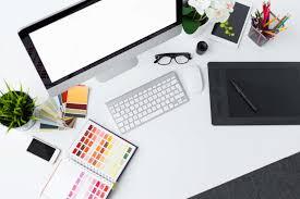 Designer Desk by El Diseño Debe Tener Roastbrief