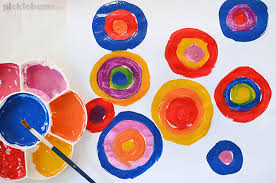 colour mixing what kids learn from this simple art activity