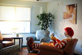 Family Room Volunteer Opportunities Ronald McDonald House - Ronald mcdonald family room