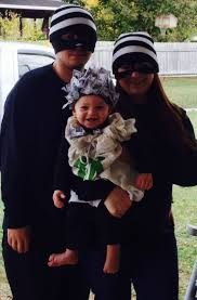 Family Halloween Costume With Baby by Best 25 Robber Costume Ideas On Pinterest Bank Robber Costume