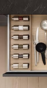 rangement pour tiroir de cuisine l aménagement intérieur cuisine par siematic personnalisé innovant