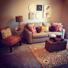 wall decor ideas for small living room best 25 decorating small living room ideas on small