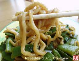 comment cuisiner les nouilles chinoises recettes d une chinoise nouilles cuites à l étouffé aux haricots