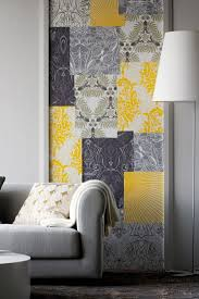 a yellow wallpaper in the bedroom or living room looks very