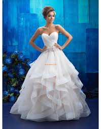 robe de mari e princesse pas cher robe de mariée organza sans manches dos nu col en coeur princesse