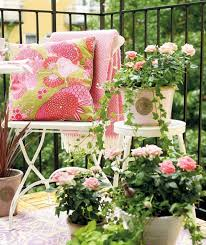 Designs For Garden Furniture by Small Garden Design For Balcony