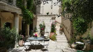 guesthouse la maison d isidore rémy de provence
