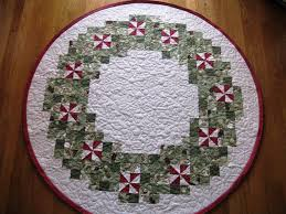 Peppermint Twist Tree Skirt Using Quilt Hollow Peppermint Wreath Tree Skirt