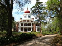 deep into the deep south stay the night in a haunted plantation