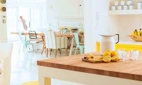 cuisine jaune et blanche déco cuisine jaune 42 nimes cuisine noir blanc et jaune meuble