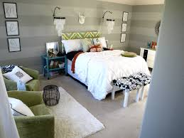 master bedroom how to paint horizontal stripes on textured walls