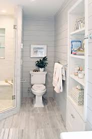 Country Cottage Bathroom Ideas by Best 25 Small Cottage Bathrooms Ideas On Pinterest Small