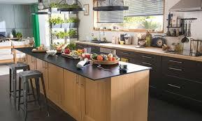 cuisine repeinte en noir cuisine chene blanchi meuble cuisine chene merveilleux