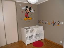 chambre enfant mickey impressionnant chambre bébé mickey et deco chambre bebe mickey
