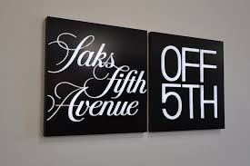saks fifth avenue thanksgiving sale best stores for black friday nyc u0027s biggest shopping holiday