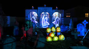 2015 halloween haunt graveyard scene with projection mapping youtube