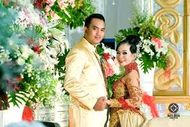 wedding dress jogja wedding photo dessy oscar at jec yogyakarta by mata angin
