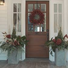 Christmas Decorations For Outdoor Windows by Best 25 Farmhouse Deck Boxes Ideas On Pinterest Outdoor Porch