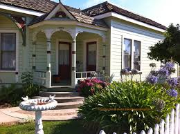 Decorating Ranch Style Home by Good Looking Ranch Style Home Front Porch Decoration Using Round White