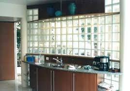 briques cuisine saverbat exemple de réalisation cuisine en briques de verre