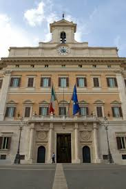 chambre des deputes le palais montecitorio à rome le siège de la chambre des députés