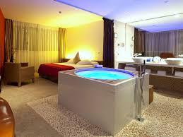 chambre jaccuzzi suite hotel diagonal zero barcelona