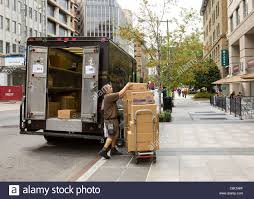 Ups Shipping Map Ups Delivery Man Stock Photos U0026 Ups Delivery Man Stock Images Alamy