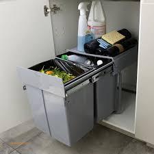 poubelle coulissante cuisine poubelle coulissante cuisine unique poubelle de meuble coloris gris