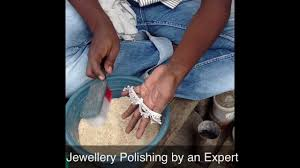 silver jewellery polishing by an expert polisher in india