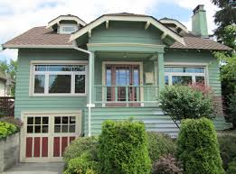 How To Choose Exterior House Colors Tips For Selecting Exterior Colors And Features Banded With