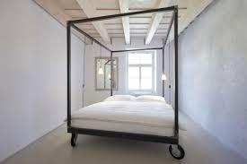 Minimalistic Bed štajnhaus