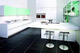 laminat für küche inselküche furnier ulme hochglanz und laminat in weiß