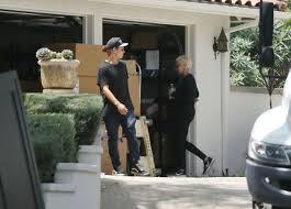 Angelina Jolie Mansion by Angelina Jolie U0027s Move Already Wrecking Havoc For Neighbors