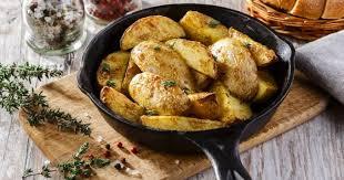de cuisine qui cuit les aliments 5 aliments qu il ne faut pas faire cuire à la poêle