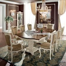 sala da pranzo classica sala da pranzo classica con mobili in noce e decorazioni in radica