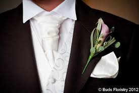 what do men wear to a wedding why do men wear buttonholes at weddings buds floristry