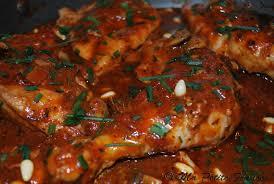 cuisiner un poulet entier poulet mijoté à la tomate et chignons ma