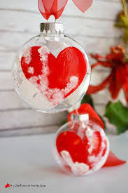 handprint keepsake ornament that will melt your 10 years