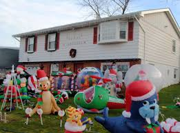 Blow Up Christmas Lawn Decorations by Blow Up Christmas Decorations Christmas Ideas