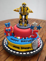 transformers birthday cake 105 best cakes transformers images on transformer