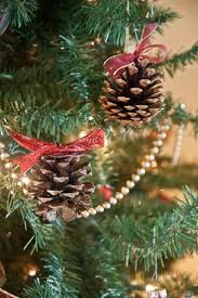 top 10 best diy christmas decorations with pinecones top inspired