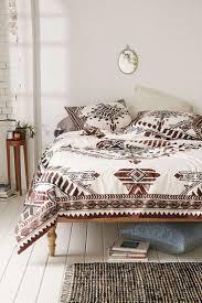 Beach Chic Home Decor Best 25 Bohemian Bedrooms Ideas On Pinterest Bohemian Room