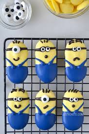 edible minions 19 edible minions that are almost to eat minion cookies