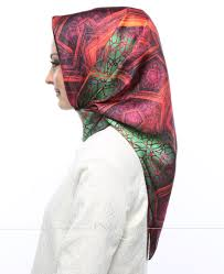 silk home silk home yeşil kırmızı renkli karışık desenli twill ipek eşarp